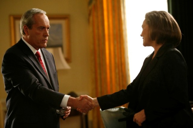 President elect Allison Taylor (Cherry Jones, right) meets with U.S. President Noah Daniels (Powers Boothe, left) before her inauguration in the special two-hour prequel event 24: Redemption