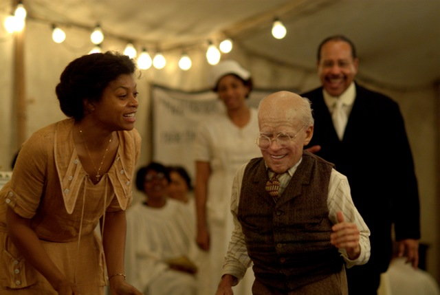 Taraji P. Henson (left) stars as Queenie and Brad Pitt (right) stars as Benjamin Button in The Curious Case of Benjamin Button