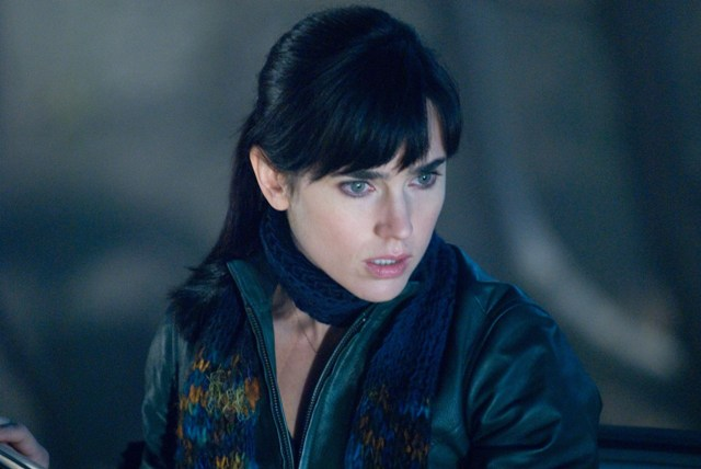 Jennifer Connelly stars as Dr. Helen Benson, a noted scientist who tries to unravel the mystery surrounding the arrival of an alien being.