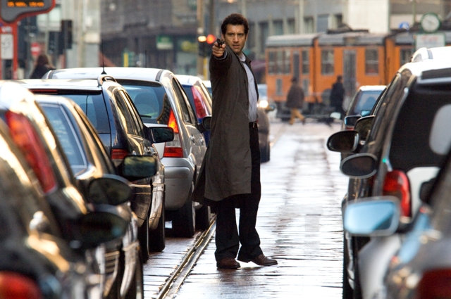 Clive Owen as Louis Salinger in Columbia Pictures thriller The International.