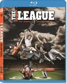 The League: The Complete Season Three was released on Blu-ray and DVD on October 9, 2012