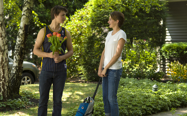 Ansel Elgort and Shailene Woodley in The Fault of Our Stars