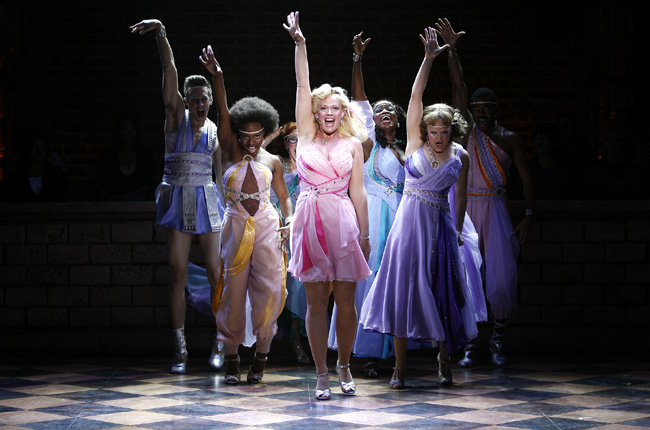 Elizabeth Stanley (Kira) and ensemble in Xanadu at the Drury Lane Theatre Water Tower Place