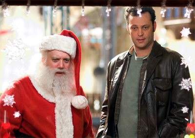Paul Giamatti (left) and Vince Vaughn in Fred Claus