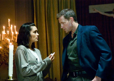Shannyn Sossamon and Ed Burns in One Missed Call, which is slated to open on Jan. 4, 2008